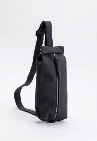 Raz– Leather pouch